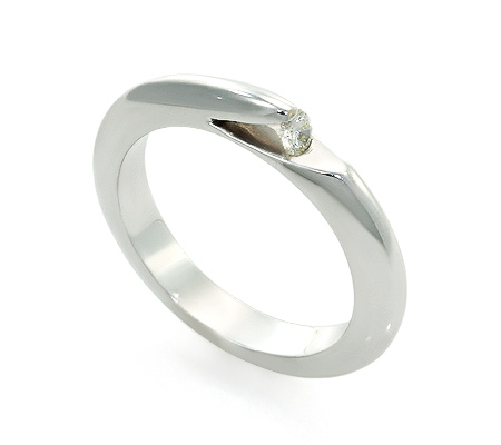 Фото«UV-20285909» Кольцо с бриллиантом